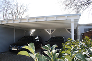 Carport Flachdach in weiß mit Design-Blende